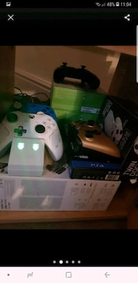 Xbox One console with controller and game cases West Yorkshire, BD3 0HQ