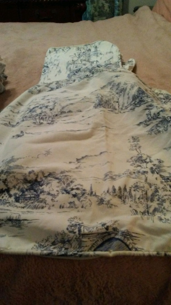 Full / queen French toile davet and shams caacaf7f-0e9d-4e3d-84b1-8bf0e6053c3b