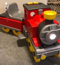 Peg Perego kids ride on train