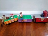 toy story 2 train cars with full circle tracks(not Wilmington, 19801