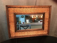 """Mirror 21"""" x 29""""   LOOKING TO MOVE THESE ITEMS. MAKE ME A REASONABLE OFFER. CROSS POSTED.  Land O Lakes, 34639"""
