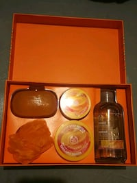 Brand New The Body Shop Gift Set (Mango)