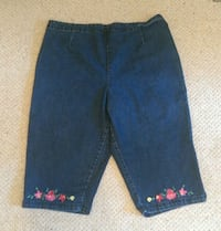 Ladies embroidered blue jean crop pants. Calgary, T3A 2K5