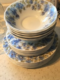 white and blue floral ceramic dinnerware set Calgary, T1Y 1X7