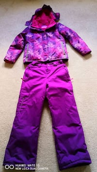 Girl's Winter suit  - 25C excellent condition, size 12 Mississauga, L5R 4G6
