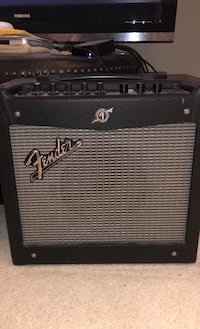 FENDER MUSTANG I AMP (w/ pedal effects) Fairfax, 22033