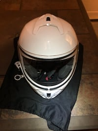 Women's size medium motorcycle helmet Chantilly, 20152