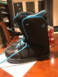 Pair of black snowboard boots Whitby, L1R 2S8