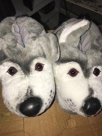 Wolf slippers