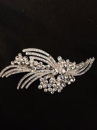 Small jeweled hair clip Newport News, 23608