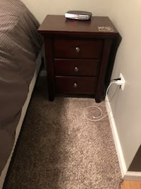 Bed side table Chicago, 60661