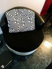 black and white leather padded chair Hyattsville, 20784