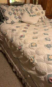 Full/Queen Comforter Set with curtains and valance  Harlingen, 78550