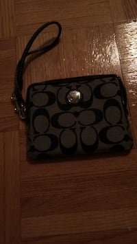 Authentic coach wristlet Vaughan, L4H 3B6