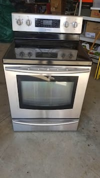 Samsung Electric Stove and Convection Oven  Mt Airy, 21771