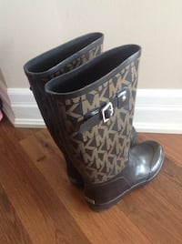 MK rubber boots Size 8