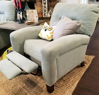 Light blue recliners San Antonio, 78229