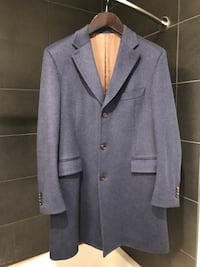 Suit Supply 100% Cashmere coat (Retail $800). Slim fit Men's size 44.