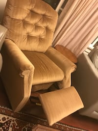 Recliner chair  Los Angeles, 91303