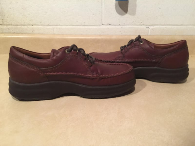Men's Size 11 M Clarks Brown Leather Oxford Moc Top Lace Up Casual Walking Shoes 6871e51c-5a42-4172-98fc-6285c908ae93
