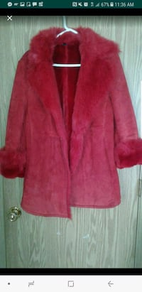 Red leather&fur (faux) coat, like new Marysville, 98270