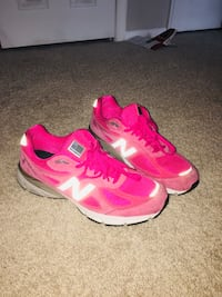 NewBalance 990v4 : Breast Cancer Woodbridge, 22191