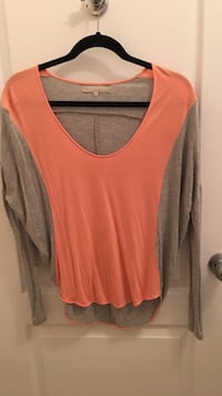 Orange and gray long sleeve top  Burnaby, V5H