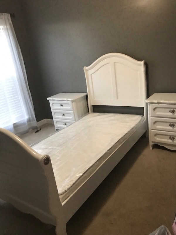 Really cute girl twin bedroom set from american signature **** reduced***