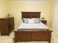Haverty queen bed and dress  Fairfax Station