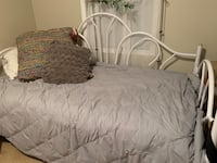 Day bed Guelph, N1G 5K6