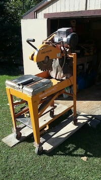 Used Yellow Felker Masonry Tile Wet Cut Saw For Sale In