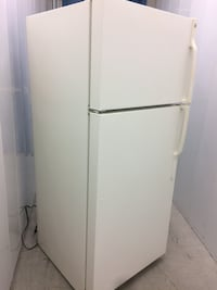 GE off-white Fridge / Freezer (delivery included ) Toronto, M1H