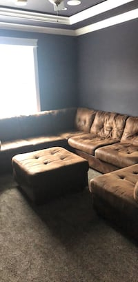 brown leather tufted sectional sofa Surrey, V3W 3K2