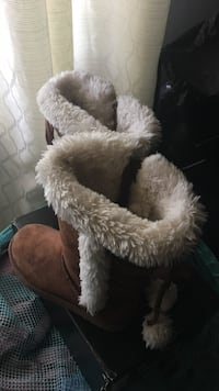 brown and white fur-lined winter boots New York, 11208