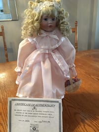 Barbie doll in white dress  Vaughan, L6A 1M4