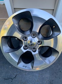 Jeep - wrangler Unlimited  - 2017 set of 5 rims 18 inches.