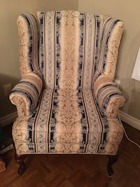 2 identical wing chairs Vaughan, L4H 1B3