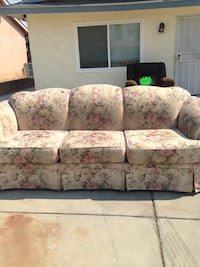 Beige and floral sofa Bakersfield, 93308