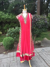 Pink anarkali (indian Punjabi Pakistani style) Surrey, V3W
