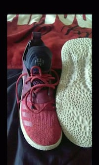Men's Adidas mad bounce size 6 1/2 shoes $15.00 Spartanburg, 29303