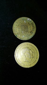 dos monedas redondas de color dorado Barcelona, 08031
