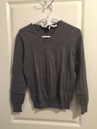 H&M v-neck sweater Mississauga, L5B 0C7