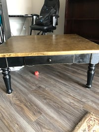 Coffee table Guelph, N1E 2X3