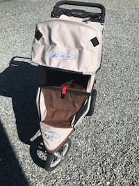 Bob stroller - new condition beige and brown