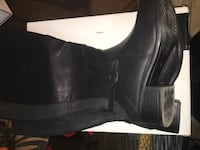 Women's tall boots. Black with zippers. Size 10W.  Toronto, M5A 4A8
