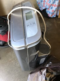 13000 btu LG Portable Air Conditioner like new barely used complete accessories Mississauga, L5C 1A7