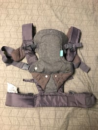 Infantino 4 in 1 baby carrier Virginia Beach, 23462