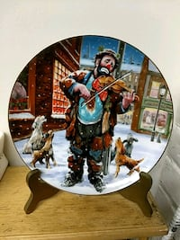 clown playing violin decorative plate