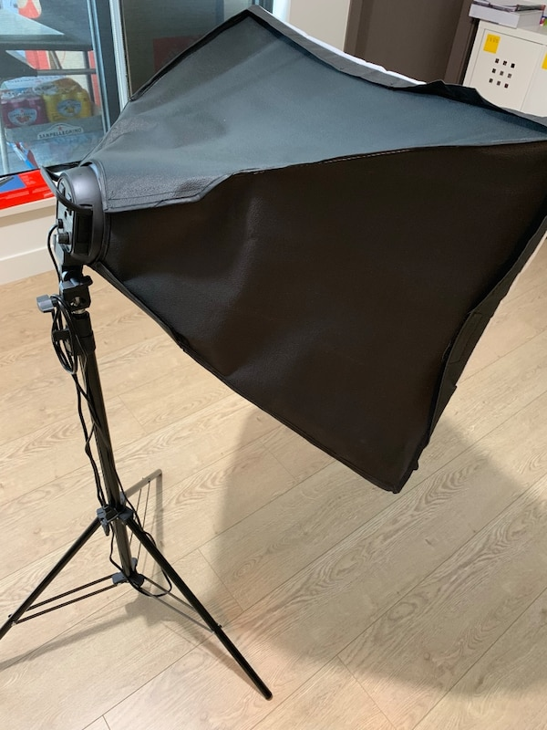 Photography light with tripod stand d4d38bbe-9b80-4b27-a0cf-3286d08f9d05