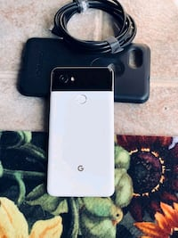Google Pixel 2 XL 64GB Unlocked -- Panda Mississauga
